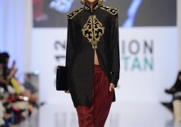 Indian and Pakistani designers present latest collections in London