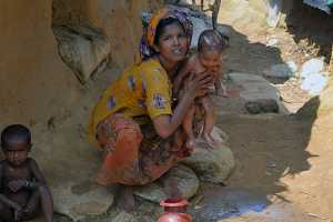rohingya woman and child