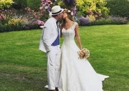 Guy Ritchie and model girlfriend Jacqui Ainsley tie the knot