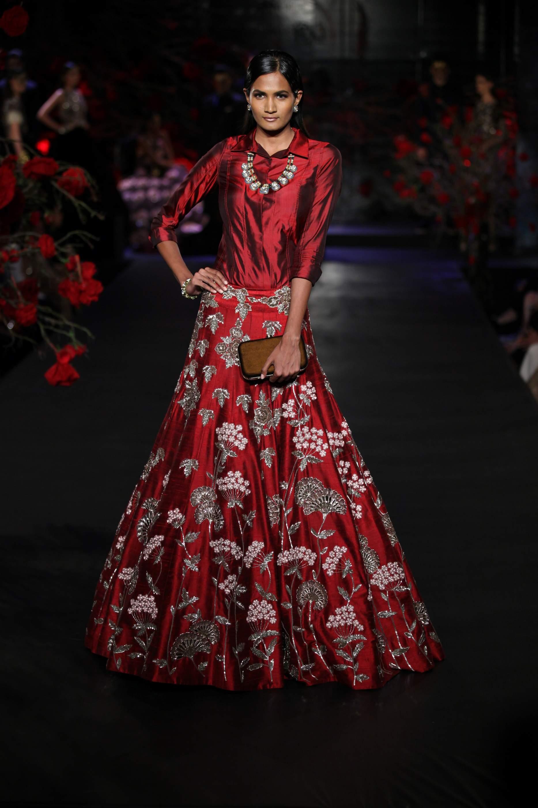 manish malhotra indian aashni presents designer clothes latest designs stocks anamika desirable edit most panachehautecouture