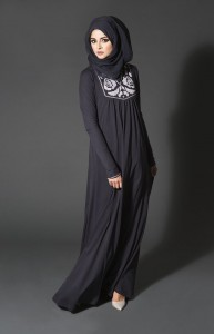 Black abaya with stitched neck detail from reshamcollection.com