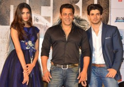 Since launching Athiya Shetty, Salman Khan plans to help her younger brother