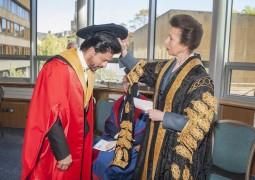 Bollywood star Shah Rukh Khan receives honorary degree