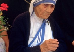 Mother Teresa to be honoured at The Asian Awards
