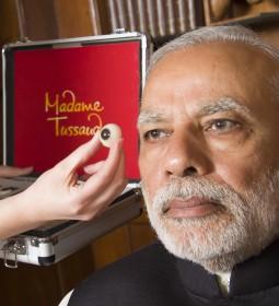 Narendra Modi sitting_Madame Tussauds 3
