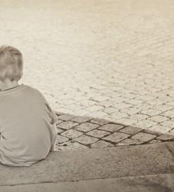lonely-sad-child