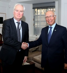 Mr. Sartaj Aziz, Adviser to the Prime Minister of Pakistan on Foreign Affairs, with Sir Mark Lyall-Grant, British National Security Adviser (NSA) at his office in London