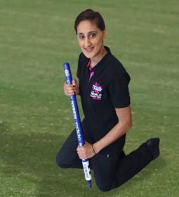 women of influence_Cricket-Pose-1