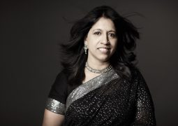 Indian Musical Stalwarts Kavita Krishnamurthy & Dr L. Subramaniam to perform in Bradford