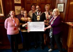 Lord Mayor thanks knitting group for efforts to raise money